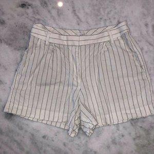LOFT BEAUTIFUL Women's CREAM/BLUE Pinstripe Shorts